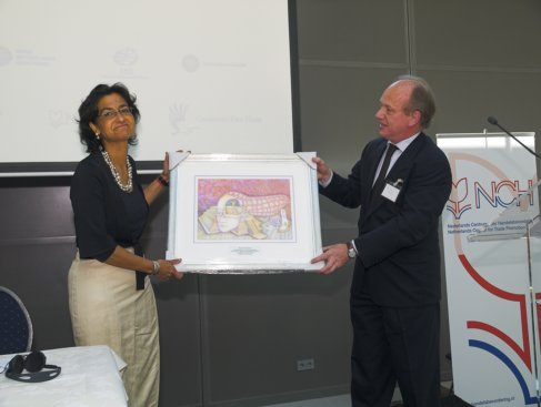 Kathleen Ferrier receives the ELE 2010 award form Ruud Koole